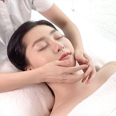 NEW! LIMITED TIME A.O.R EXPRESS DEEP CLEANSING AND HYDRATING FACIAL 40MINS